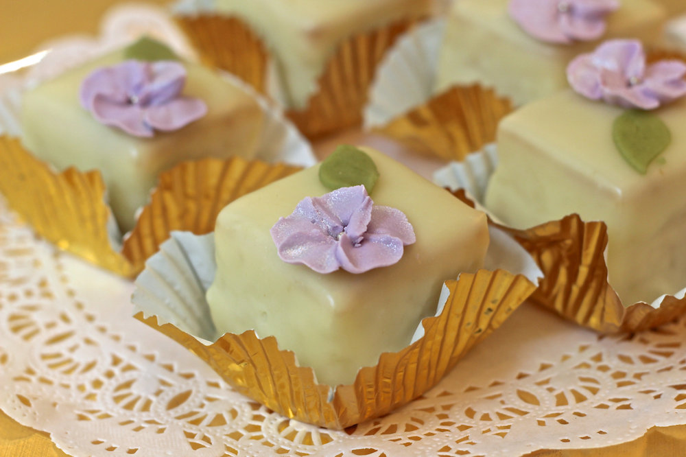 Lemon Petit Cake.jpg