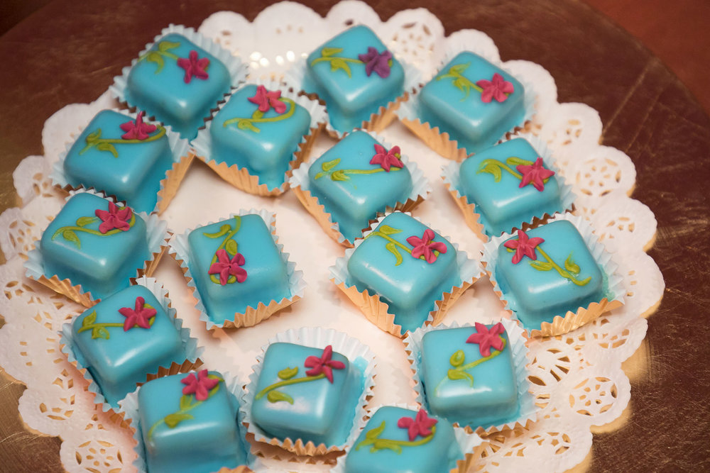 Havana themed Bourbon Vanilla Petit Four