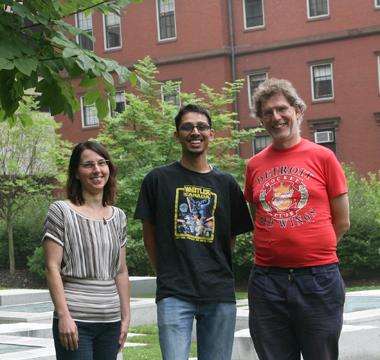 (l to r)Rachelle Gaudet, Sriram Srikant, andAndrew Murray