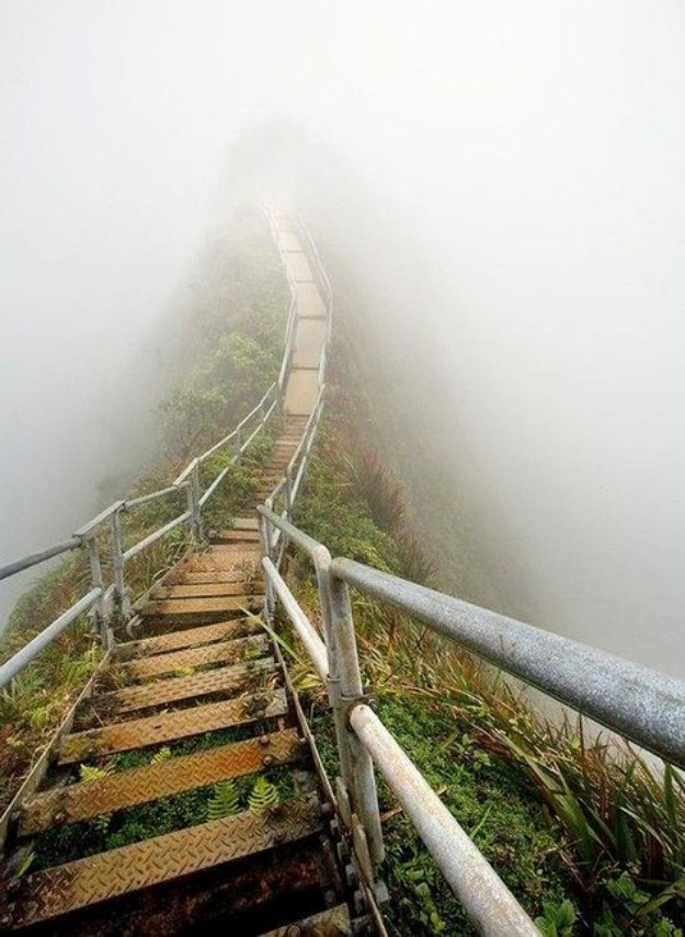 Haiku-Stairs-from-the-island-of-Oahu-001
