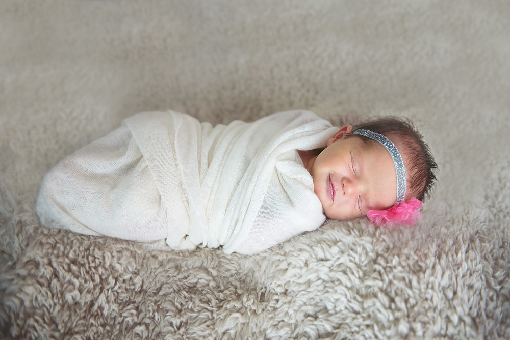 aurelia_newborn-37 edit1.jpg