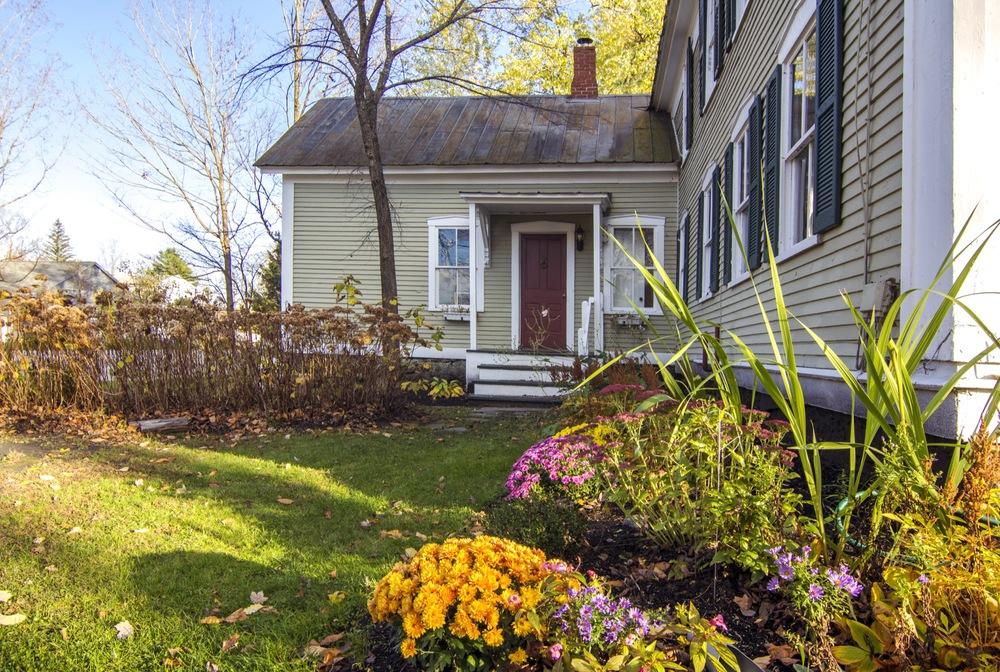 27-IMG_1350 Bard Driveway Porch & Door.jpg