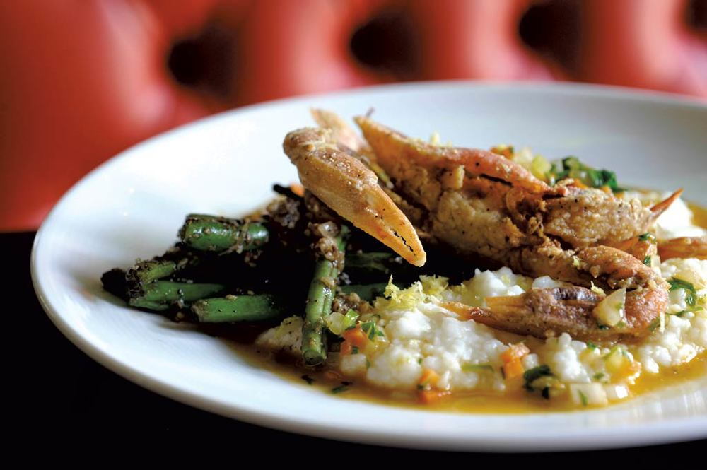 Softshell crab and grits ☆ Photo by JEB WALLACE-BRODEUR