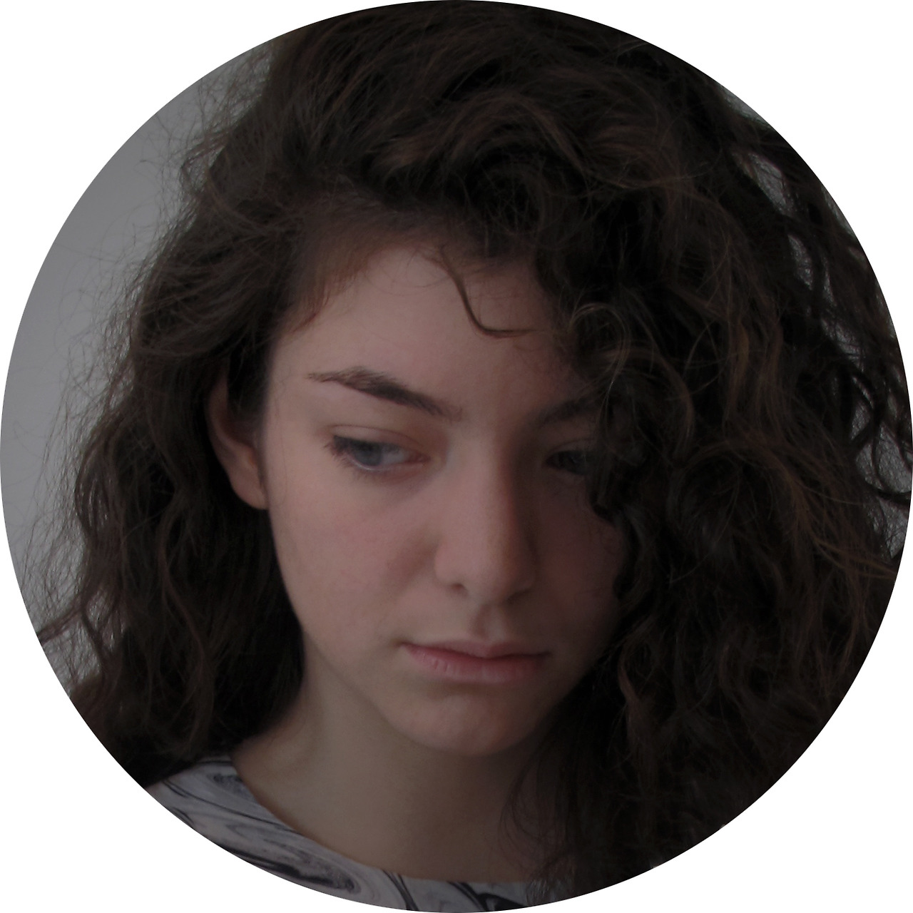 Lorde      lordemusic :                     peter stichbury took this photo of me. he is great