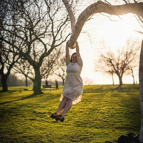 Our friend from Austin made sure to flee to the CLE for spring, and boy did it spread happiness and joy! With her camera ever in tow, she snapped this pic of Head Skadette Courtney, while we swung from trees on the great shores of Lake Erie.  Attn Skadettes: spring has sprung on the Northcoast! Thanks for capturing the moment, @oxfordhaus photography and design!!