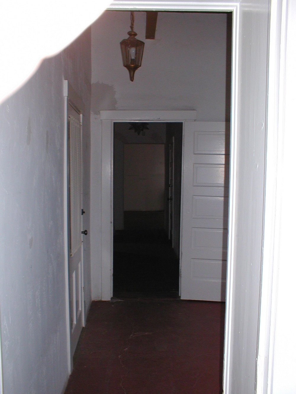 hall_way_1_before.jpg