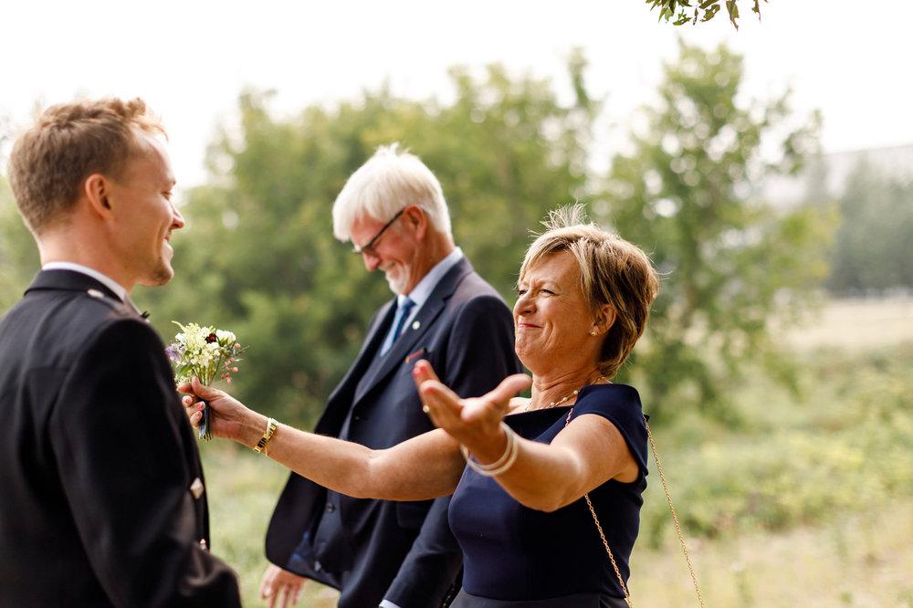 049-calgary-wedding-photographers.jpg