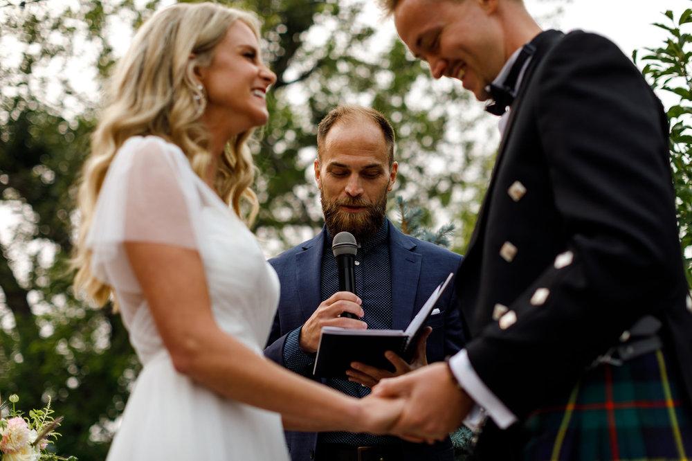 089-calgary-wedding-photographers.jpg