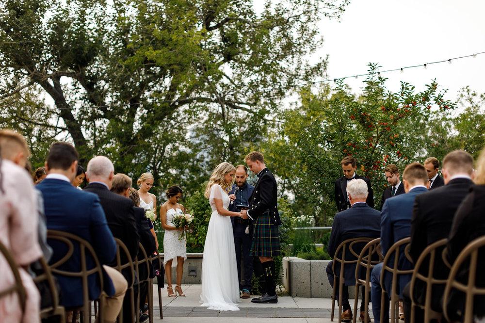 094-calgary-wedding-photographers.jpg