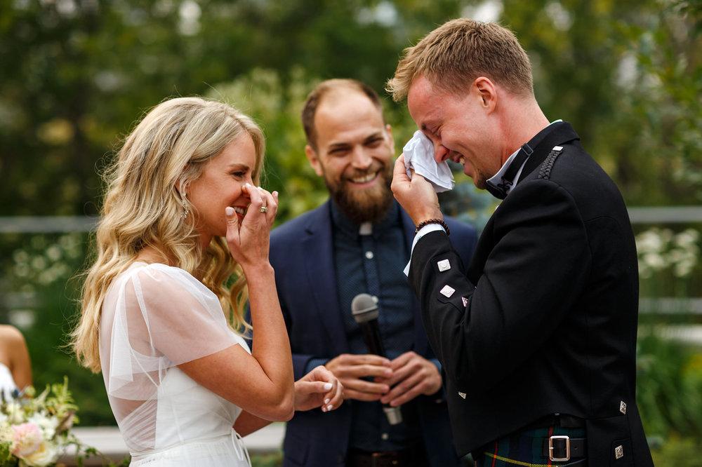 097-calgary-wedding-photographers.jpg