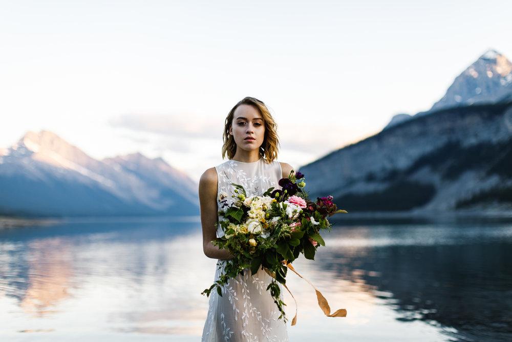 027-spray-lakes-wedding-photographer.jpg