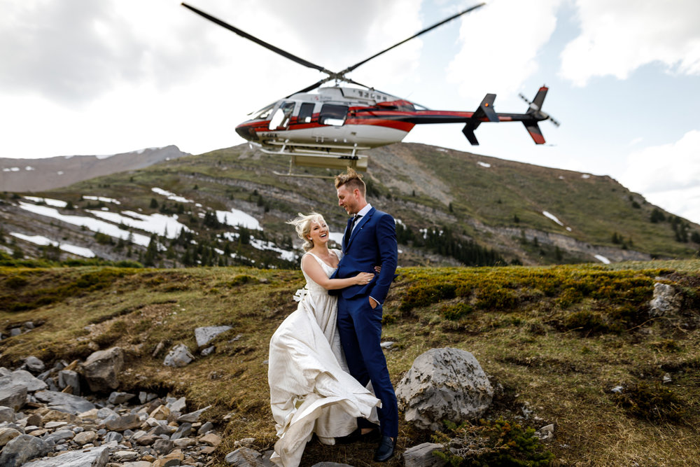 032-helicopter-elopement-photographers-banff.jpg