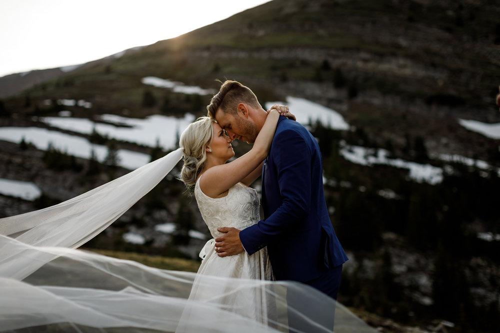 067-helicopter-elopement-photographers-banff.jpg