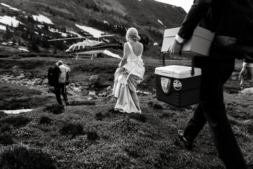 073-helicopter-elopement-photographers-banff.jpg