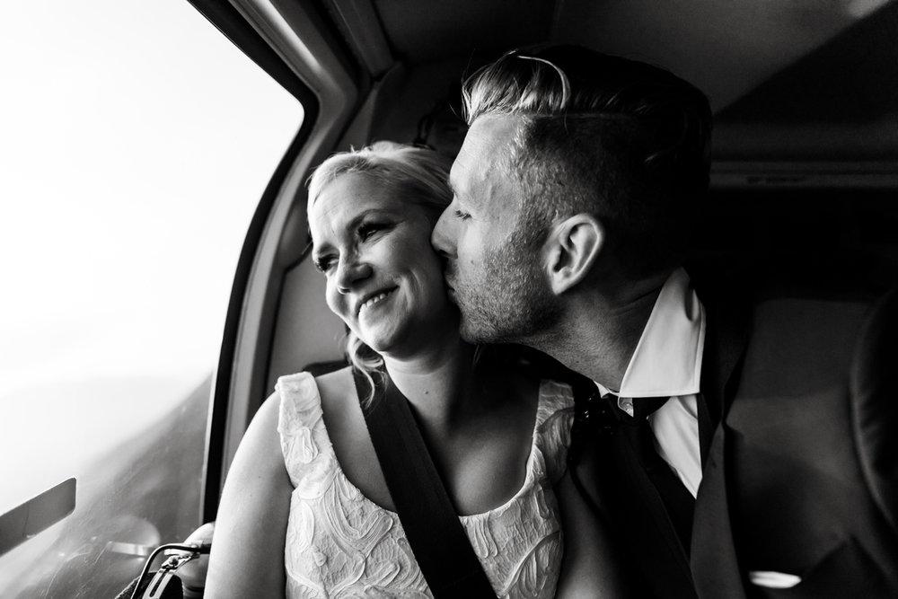 076-helicopter-elopement-photographers-banff.jpg