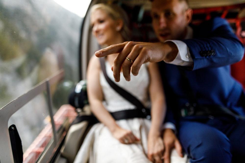 077-helicopter-elopement-photographers-banff.jpg