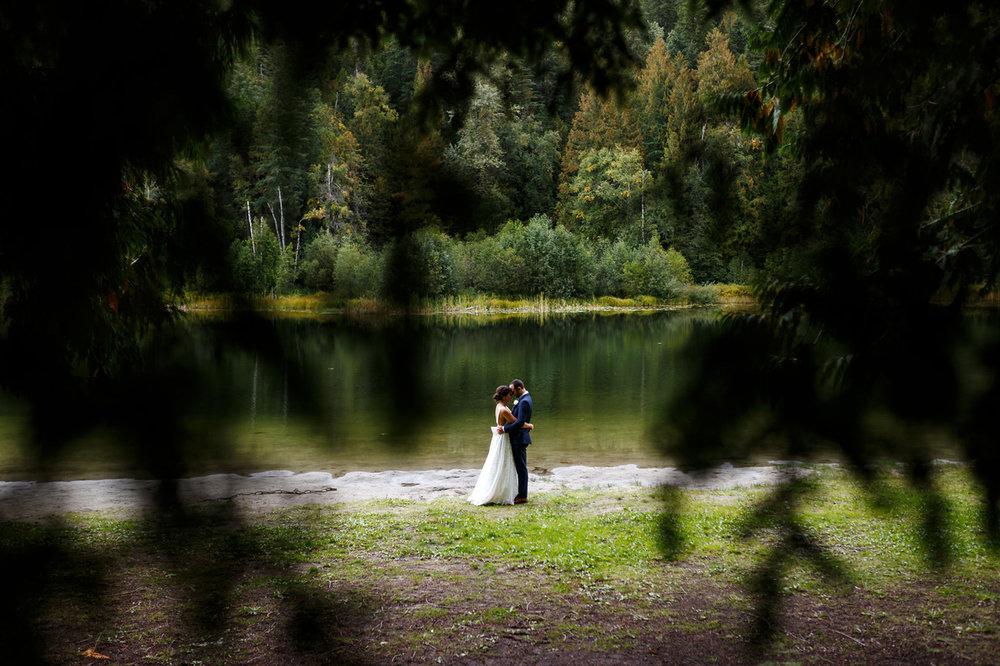 086-revelstoke-wedding-photographer.jpg