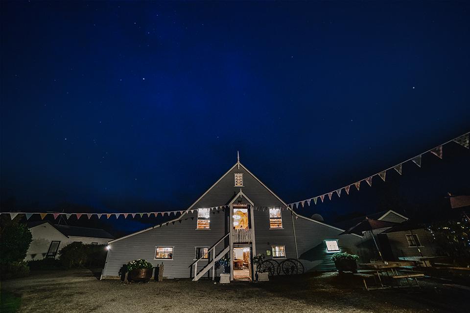 Barn_nightshot.png