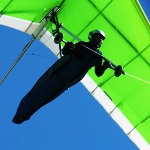 HANG GLIDING - Control the wind.
