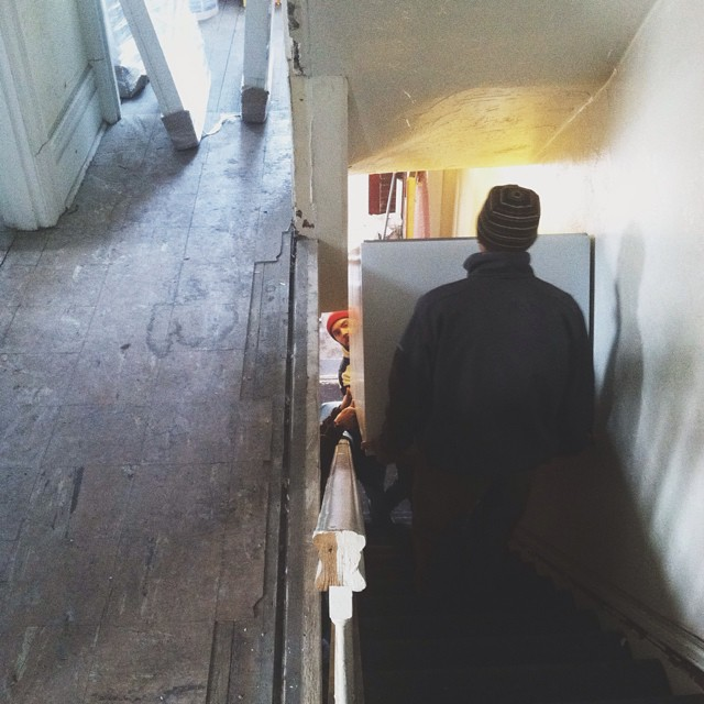 That is a fridge. Those are our stairs. That is my husband, brothers-in-law and dad.       #homeownership #appliance #delivery