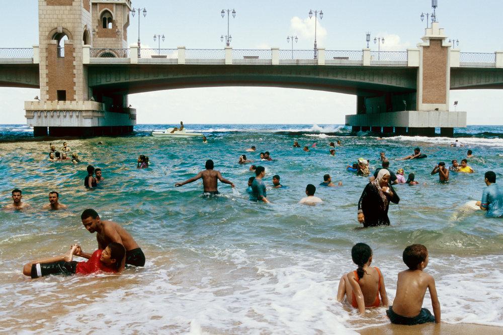 Beach, Domestic Tourism I series, 2005, C-print, 75 x 50 cm.