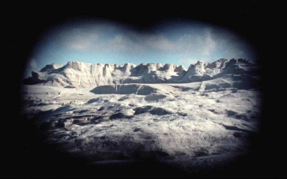 No Shooting Stars, 2016, Super 16mm and GIF animations transferred to Full HD, 14 min. 25 sec. (co-commissioned by Jeu de Paume, Paris, Fondation Nationale des Arts Graphiques et Plastiques and CAPC musée d'art contemporain de Bordeaux).   WATCH HERE