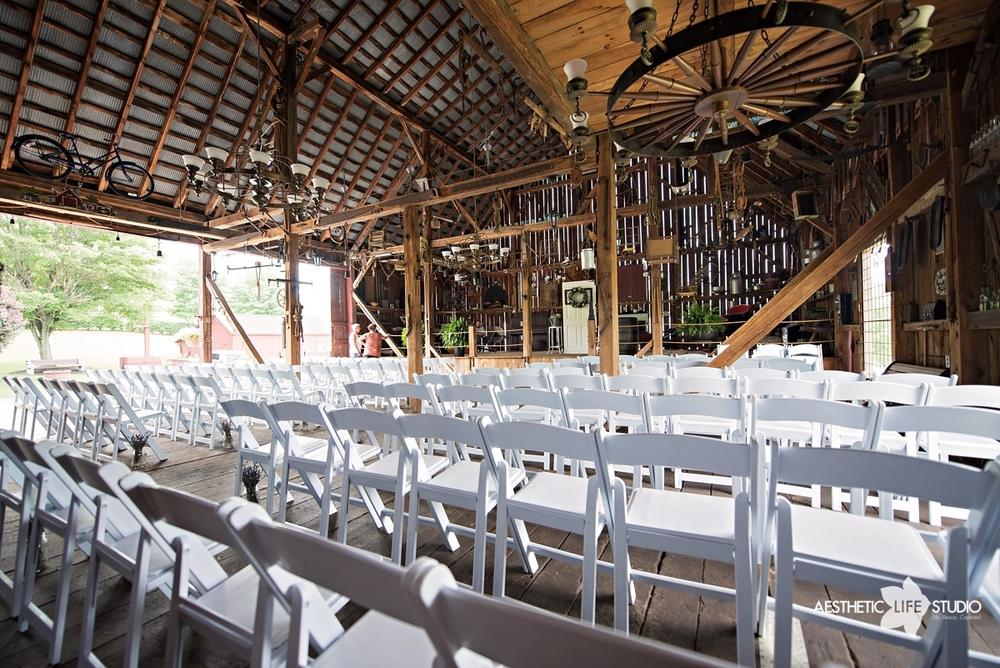 rustic_barn_wedding_005.jpg