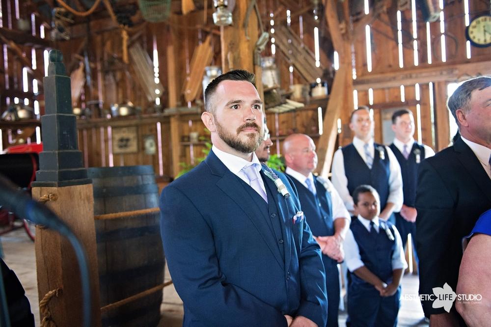 rustic_barn_wedding_041.jpg