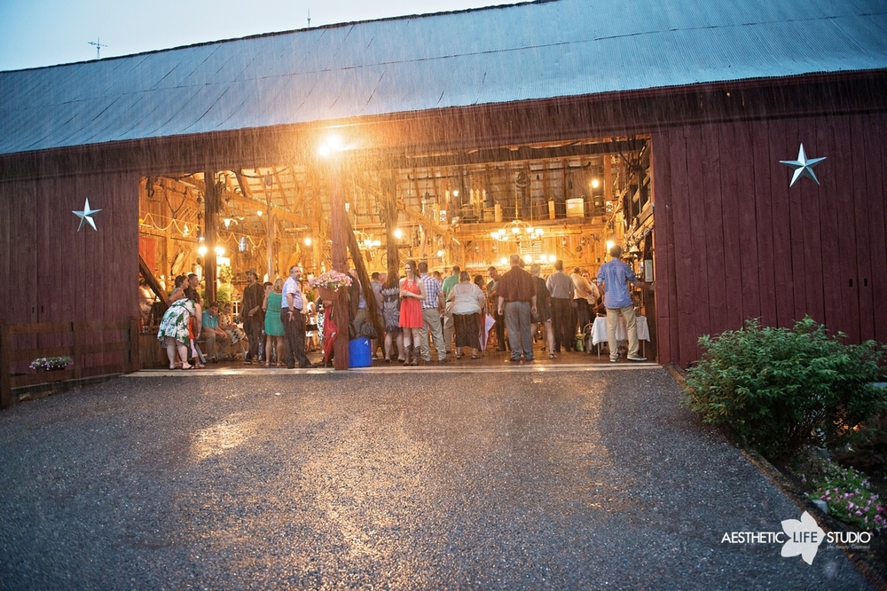 rustic_barn_wedding_100.jpg