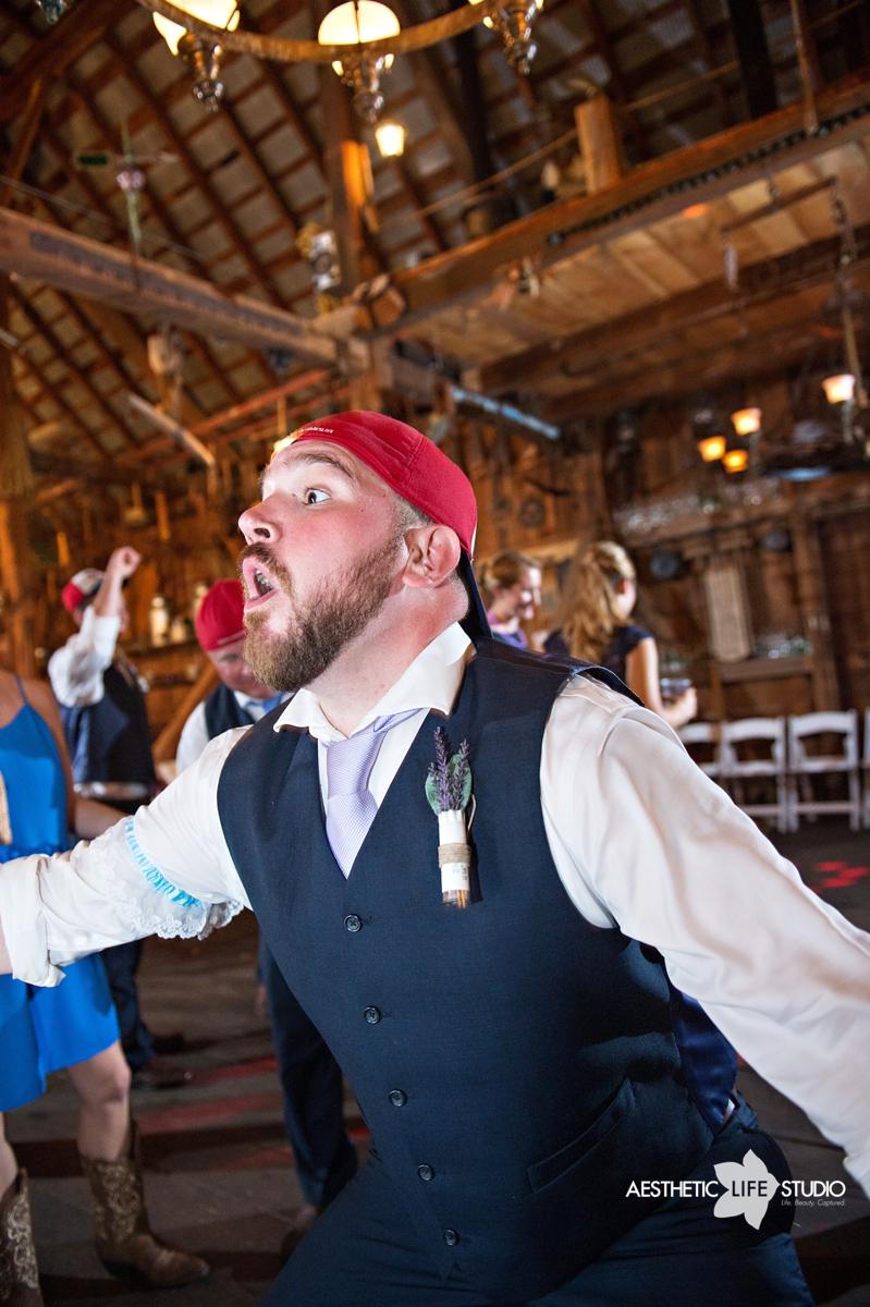 rustic_barn_wedding_122.jpg