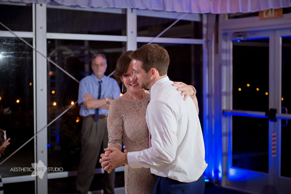 Silver Swan Bayside Stevensville md wedding -119.jpg