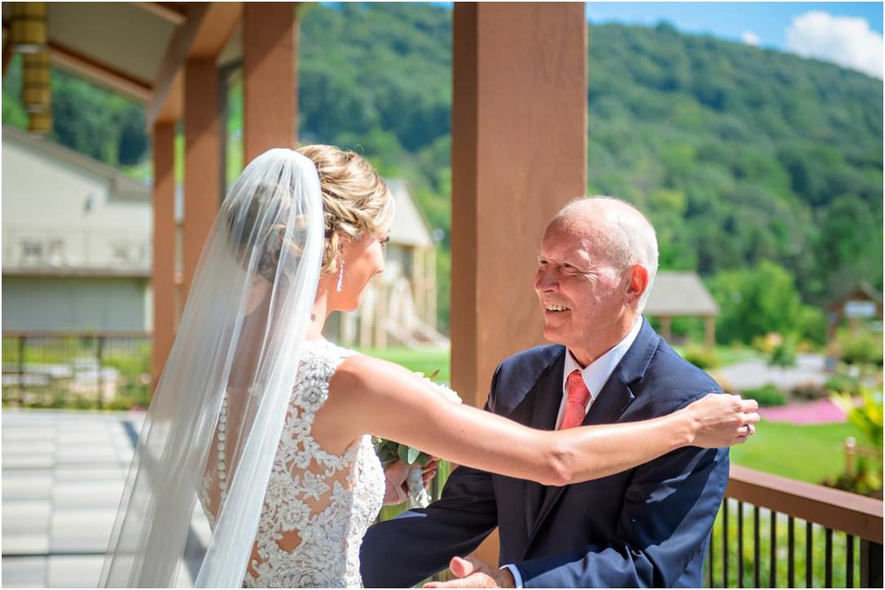 Highland Lodge Liberty Mountain Resort Wedding 009.jpg
