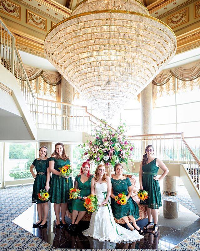 bridesmaids - by Lexi ⠀⠀⠀⠀⠀⠀⠀⠀⠀ #weddingday #wedding #weddingwire #weddingphotogrphy #weddingphotographer #weddingphoto #bride