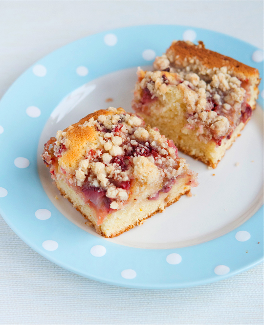strawberry-rhubarb-buckle