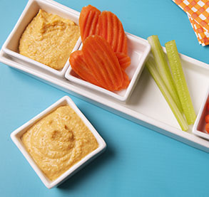 carrot-snacks-hummus.jpg