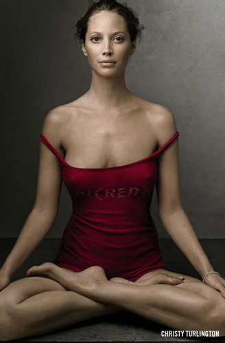Christy-Turlington-padmasana
