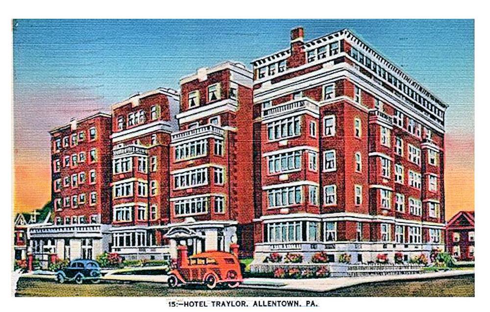 1935_-_Hotel_Traylor.jpg