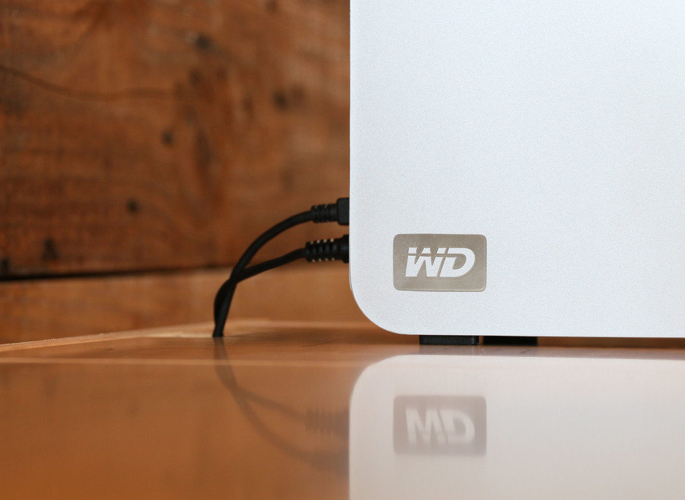 Storage-Top Desk for Mac with external hard drive