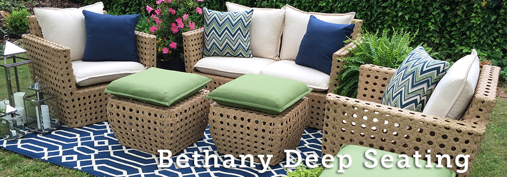 Bethany Reviews AE Outdoor
