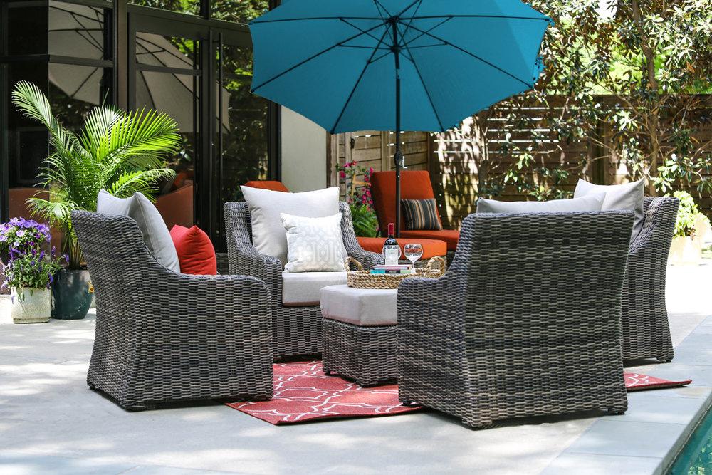 ... 10ft Market Umbrellas AE Outdoor Patio Sunbrella SPECTRUM CILANTRO 25  Lifestyle.