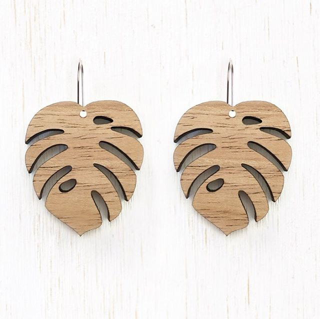 Hi everyone, these are proving very popular! I have 2 pairs left at the moment, will have some more ready in about a week #monstera #monsteraearrings #woodearrings #etsy #etsyau #lasercutearrings #crazyplantlady #plantlady #plantaddict