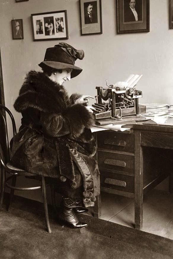 Typing-Woman.jpg