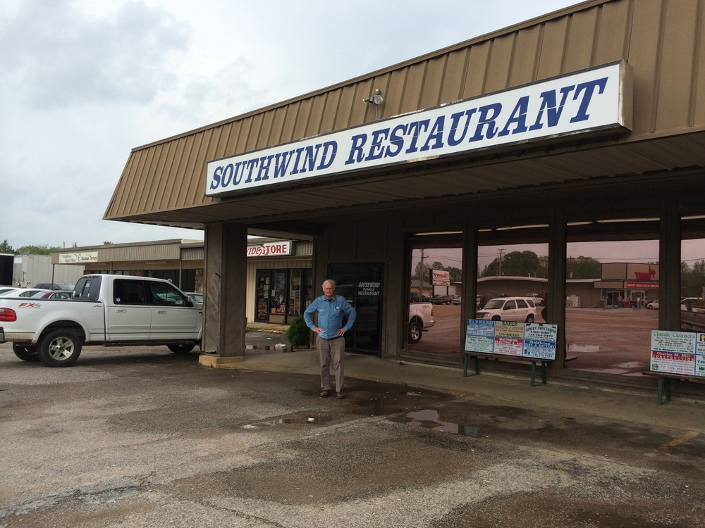 We scrupulously avoided the national chain restaurants. Local eateries, like the Southwind Family Restaurant in Middleton, TN or Stoner's Family Restaurant in Chambersburg, PA proved interesting spots for quick lunch breaks and people watching.