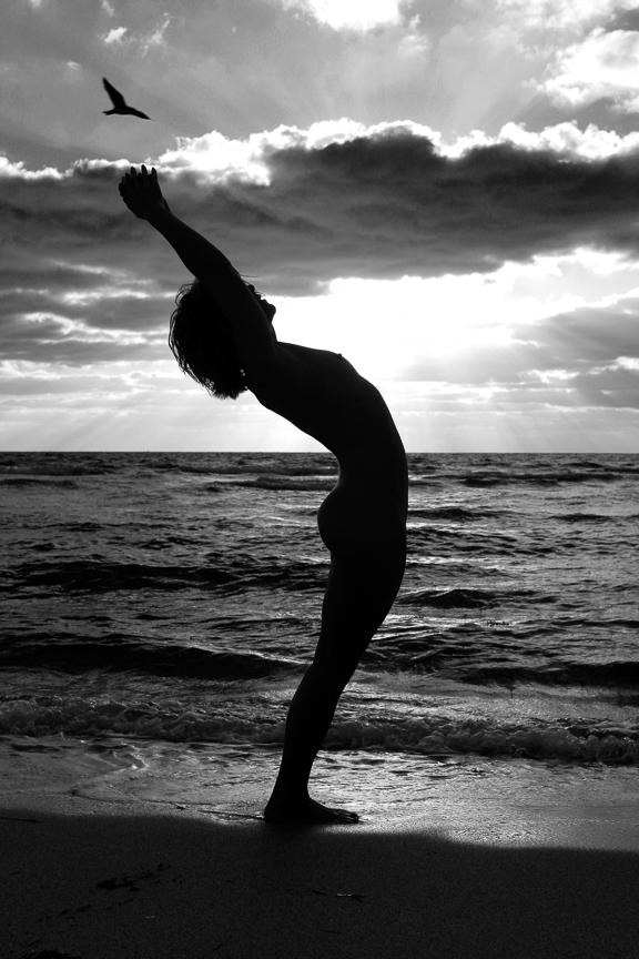 Ed-Johnston-Simple-Nude-Beach-Yoga-Artistic-Physique-BW-3355w.jpg