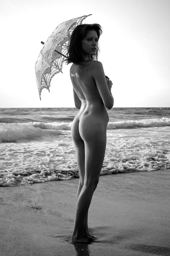 Ed-Johnston-Simple-Nude-Girl-With-Umbrella-At-Beach-1421w.jpg