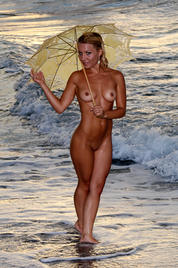 Ed-Johnston-Simple-Nude-Girl-With-Umbrella-At-Beach-6523w.jpg