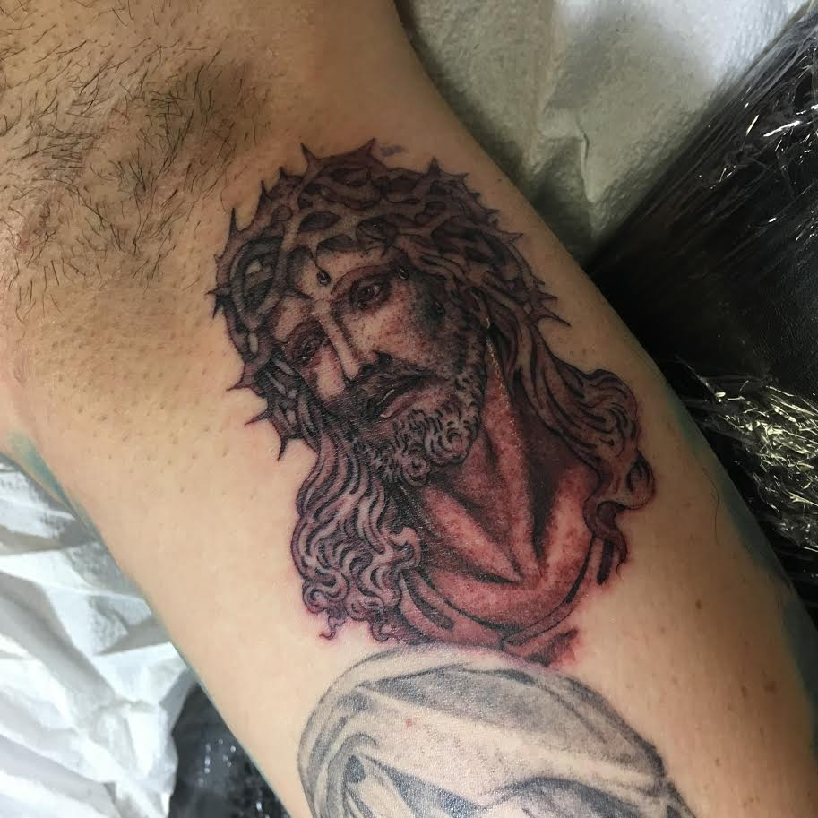 Big-Steve-Tattoos-Jesus.jpg