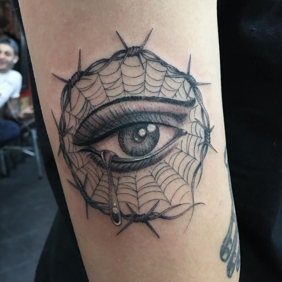 Big-Steve-Tattoos-Eye-Cobwebs-Barbed-Wire.jpg