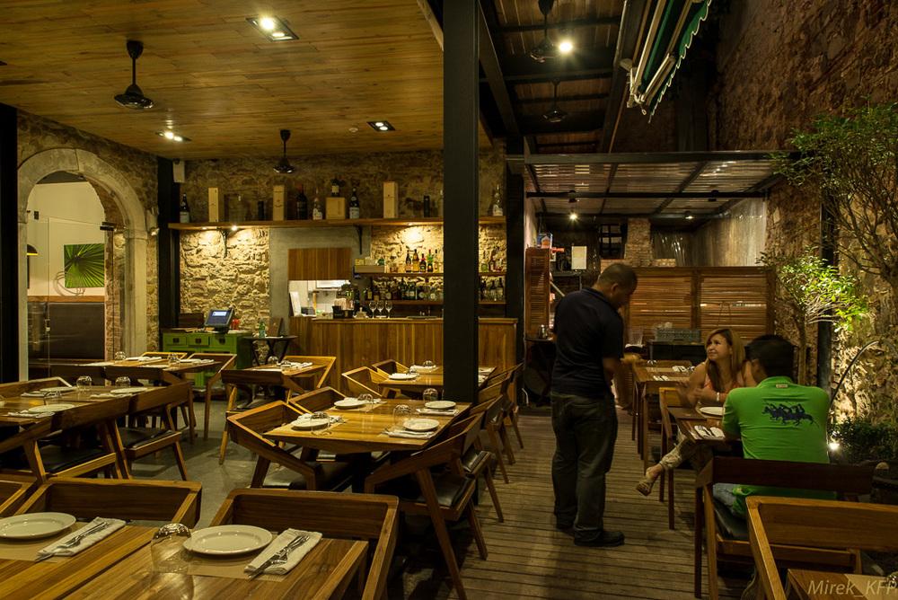 20131202L'Osteria_interior+food-8.jpg
