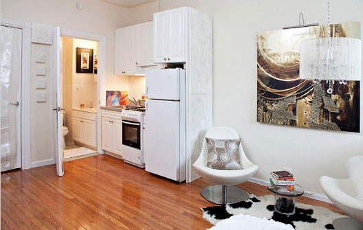 Well designed 200 sq ft studio in nyc los angeles real for Kitchen design 200 square feet